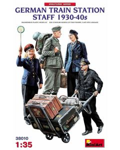 Plastbyggesett, miniart-38010-german-train-station-staff-1930-1940s-scale-1-35, MIA38010