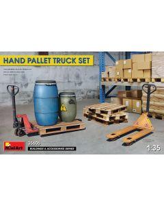 Plastbyggesett, miniart-35606-hand-pallet-truck-set-scale-1-35, MIA35606